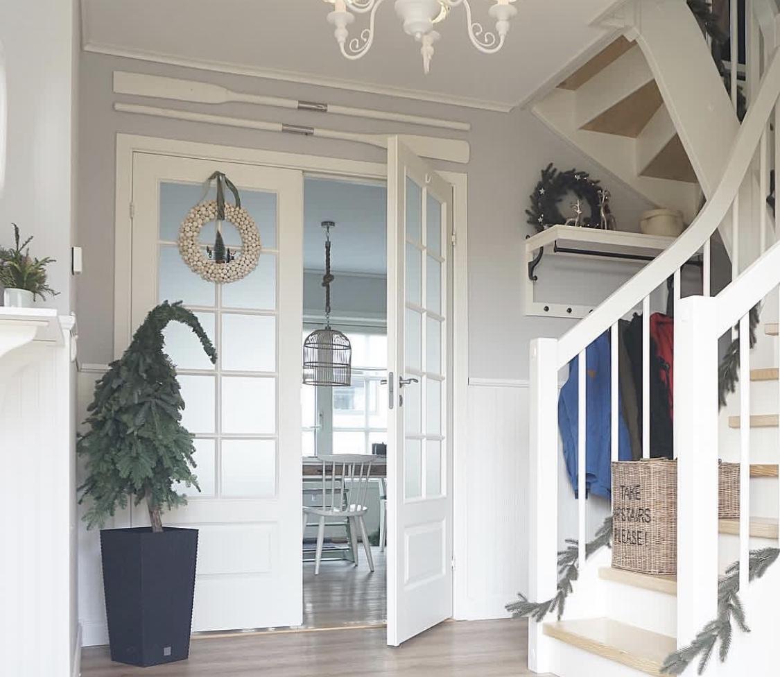 DIY Weihnachtsdeko: Tannenbaum mit Zipfelmütze
